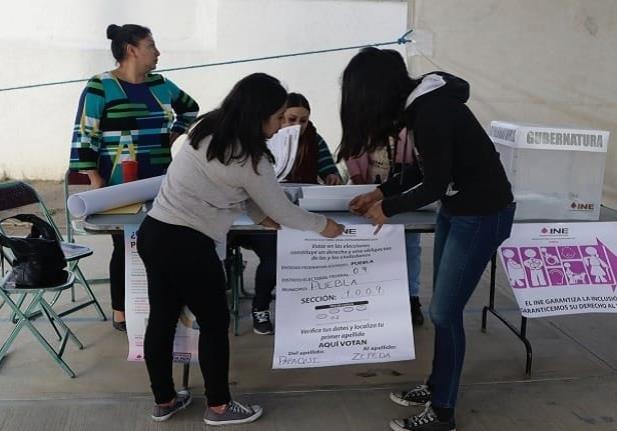 Así transcurre la elección a gobernador en Puebla