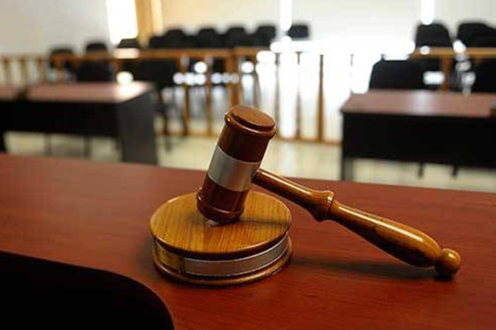 Mujer presenta queja contra jueza por omisión y corrupción en caso de violencia