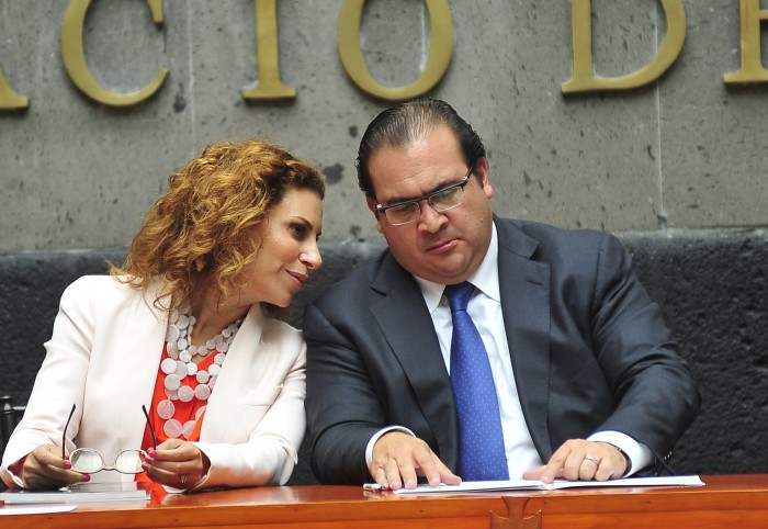 Presentan iniciativa para retirar los nombres de Fidel, Duarte y Karime de espacios públicos