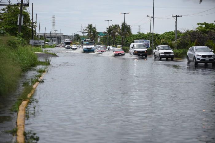 Se desborda la Laguna Real en Veracruz