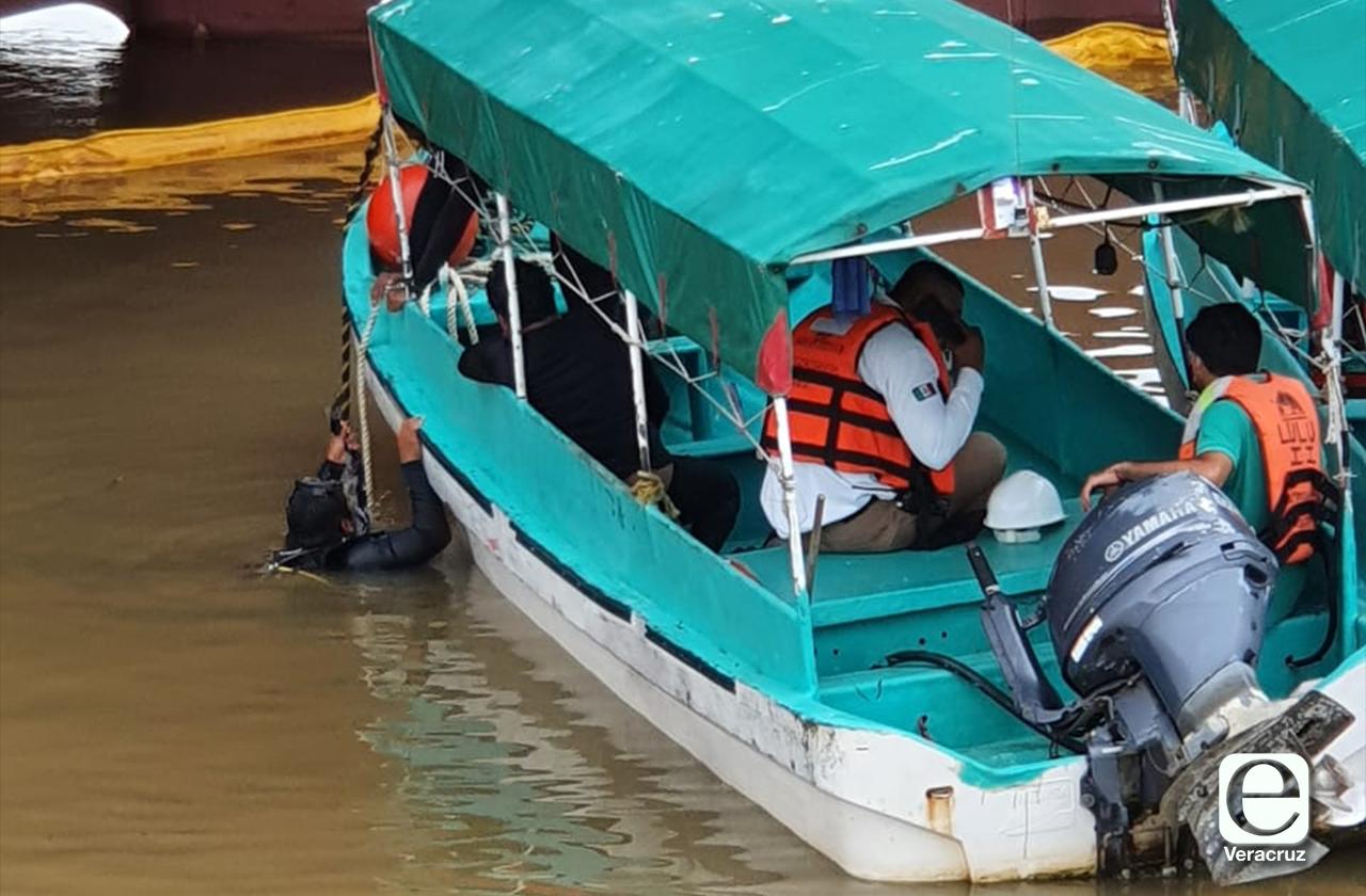 Tras accidente, 2 empleados de Pemex están desaparecidos en río Coatza