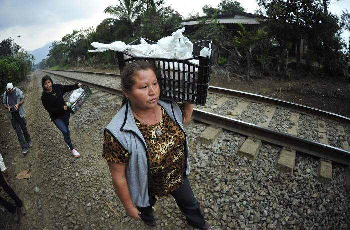 Las Patronas ofrecen asistencia a grupos civiles que auxilian a migrantes en España