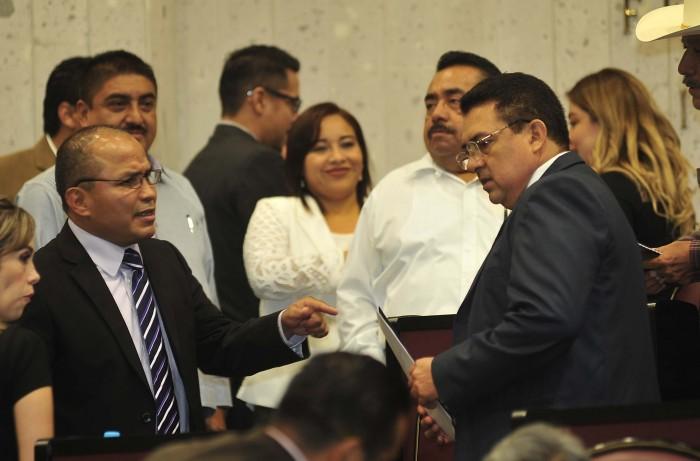 Galería de Imágenes: Arranca LXIV legislatura con renuncias a los partidos