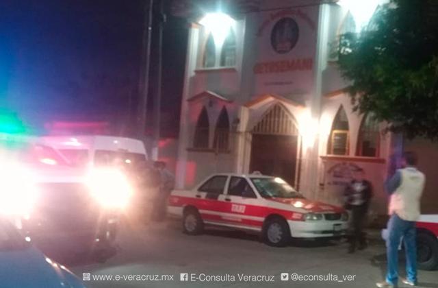 Plagian a mujer en la entrada de la iglesia, en Coatzacoalcos