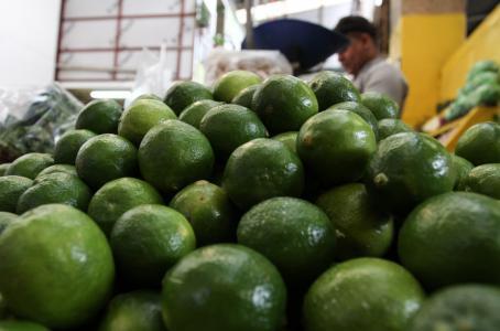 Precios del limón y del huevo alivian la inflación