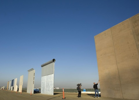 Listos, los ocho prototipos del muro de Trump