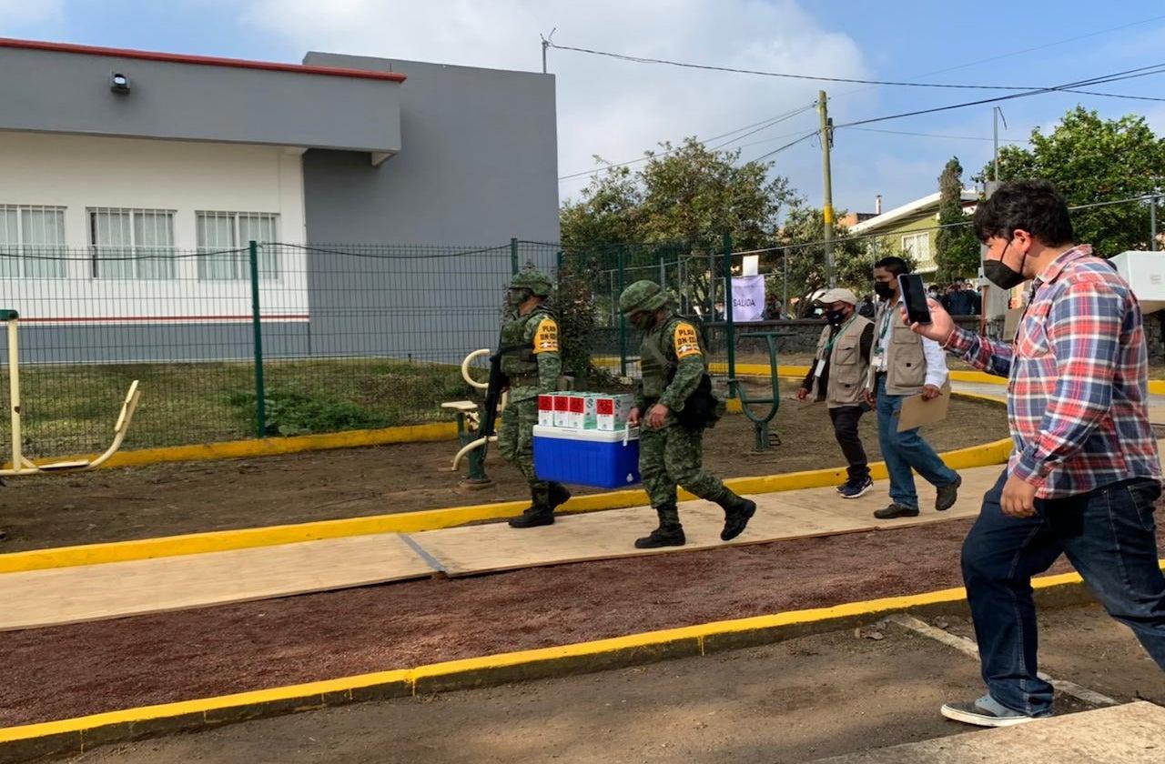 Llegan a Veracruz más dosis de vacuna Pfizer para médicos y abuelitos