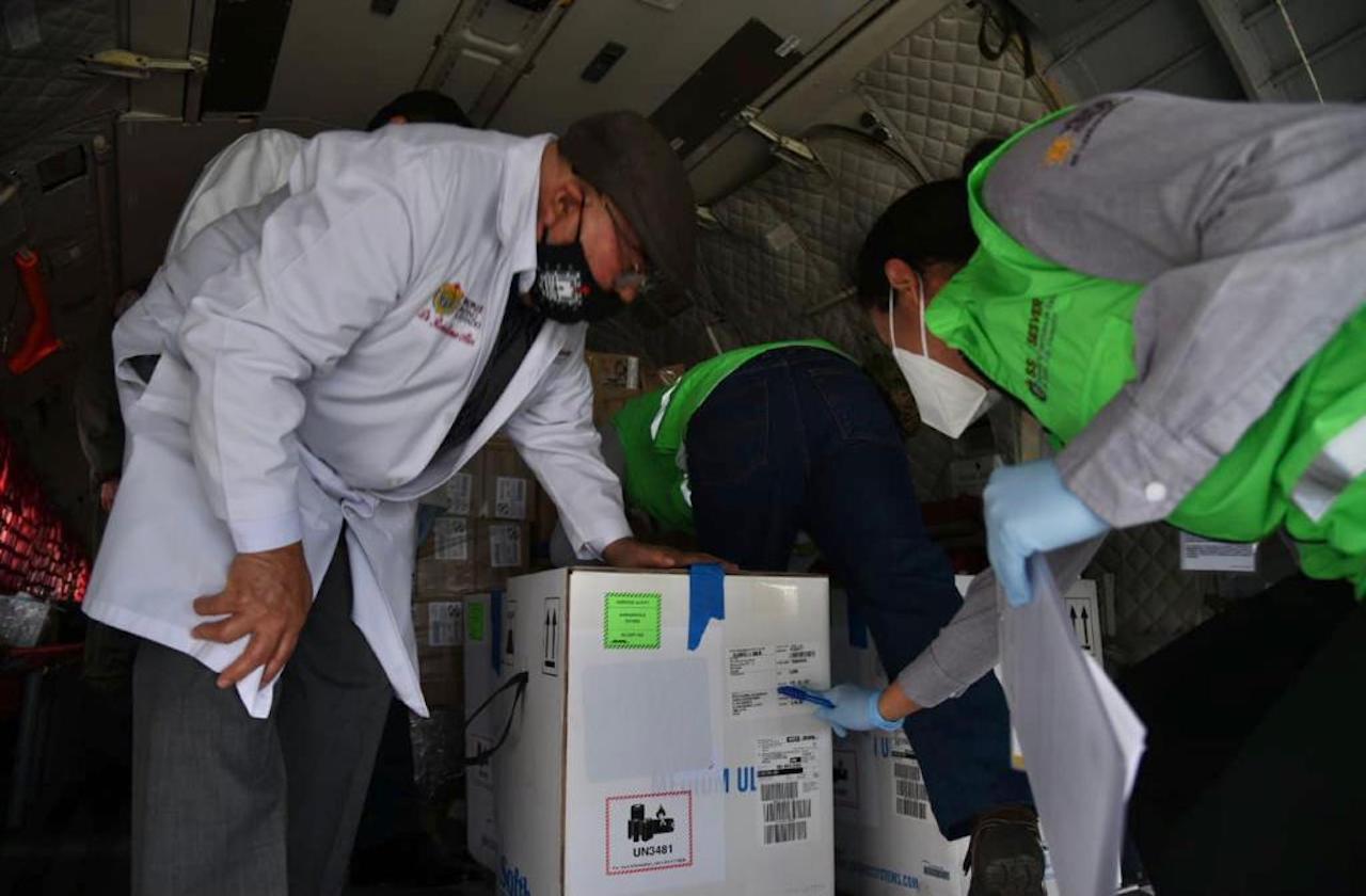 Llegan a Veracruz primeras dosis de vacunas contra covid-19
