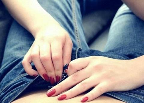Lleva el sexo oral a otro nivel con Teabagging