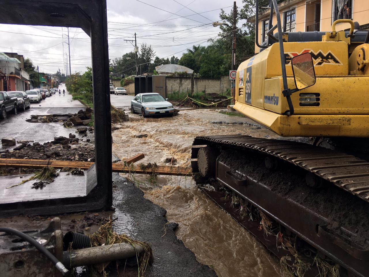 Lluvia provocó inundaciones en colonia Casa Blanca de Xalapa