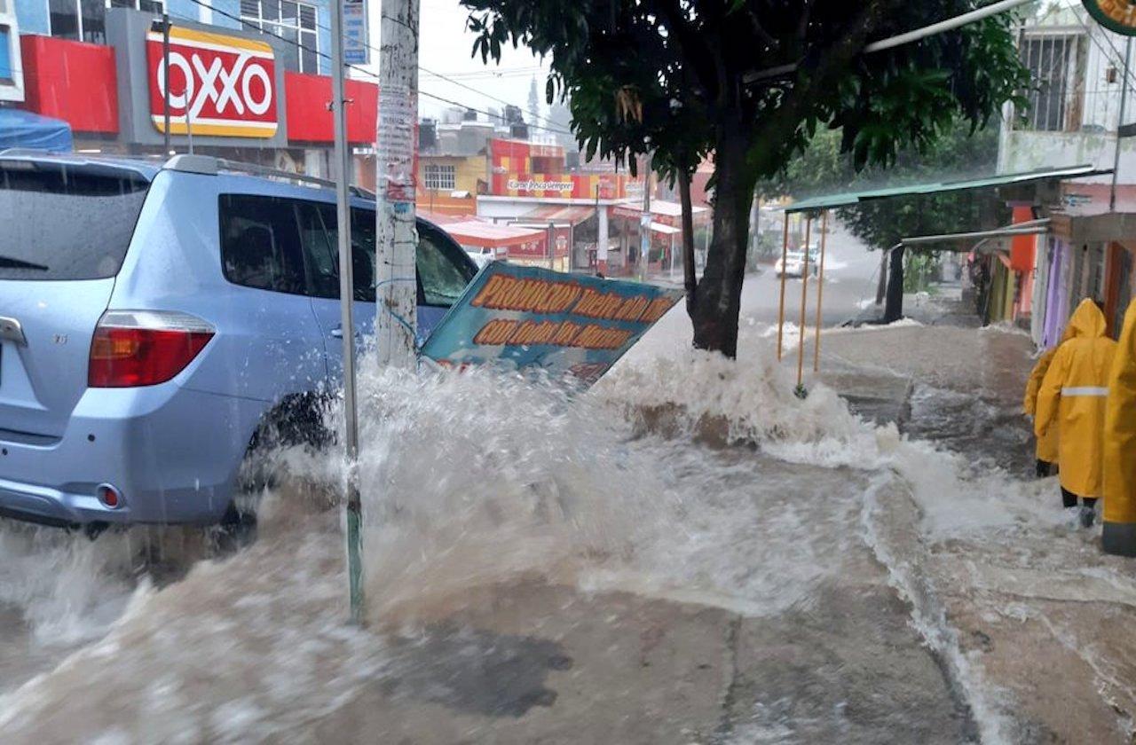 Lluvia en Xalapa afecta 40 colonias; aplican Plan DN-III