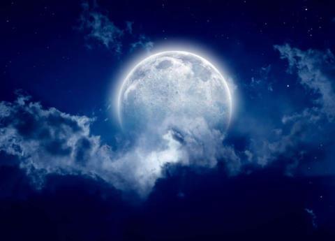 Prepárate, porque viene un eclipse total de luna azul