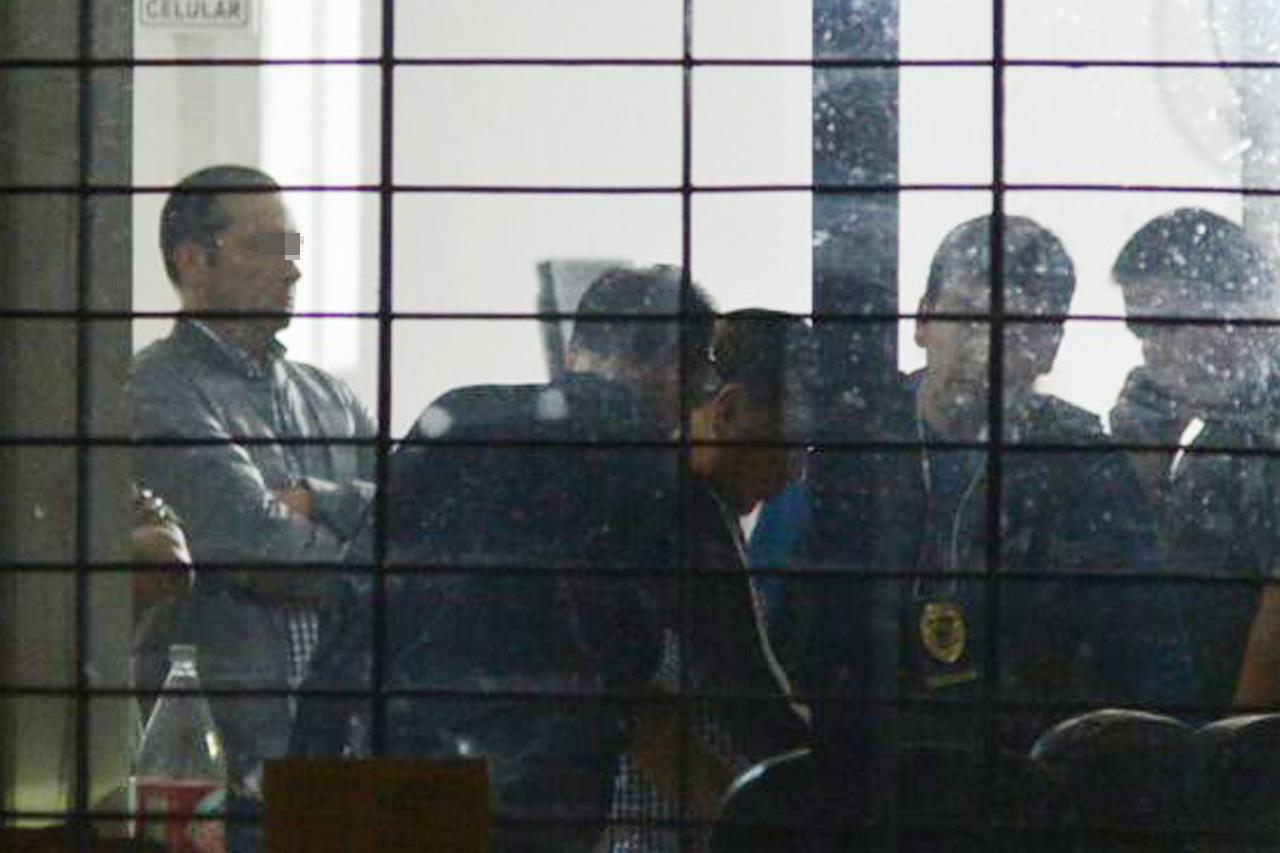 Exfiscal de Veracruz pidió usar traje y loción en audiencia por desaparición forzada