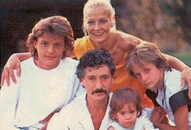 ¿Quién podría ser el padre del hermano menor de Luis Miguel?