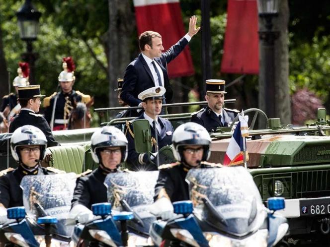 Macron asume la presidencia de Francia y va contra terrorismo