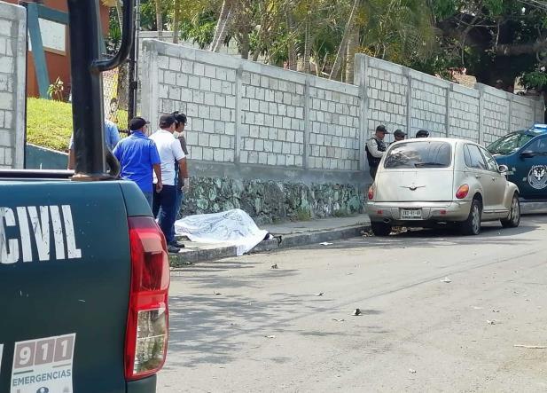 Asesinan a maestra afuera de su kínder en Boca del Río