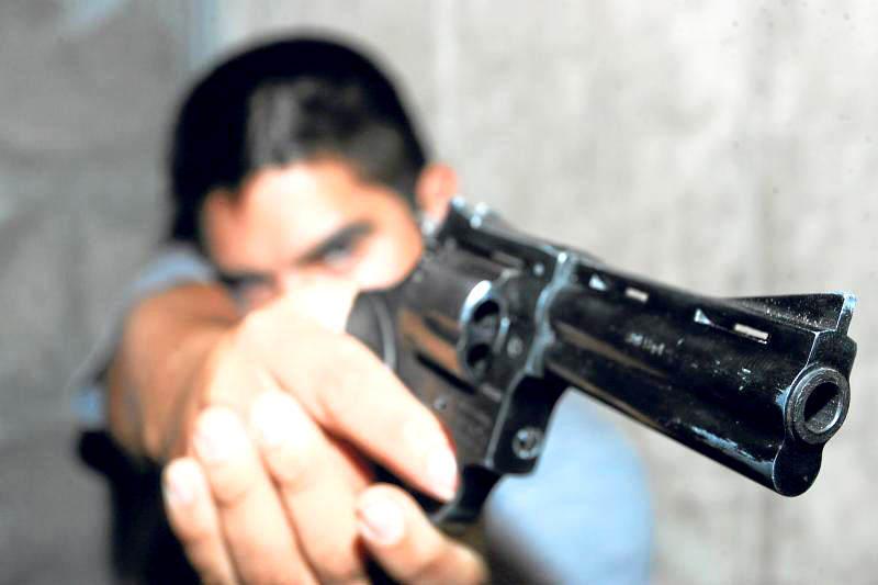 Frustran intento de asalto en gasolinera de Tejería