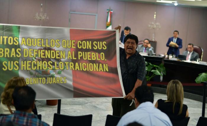 Protestan contra creación del Instituto Metropolitano del Agua