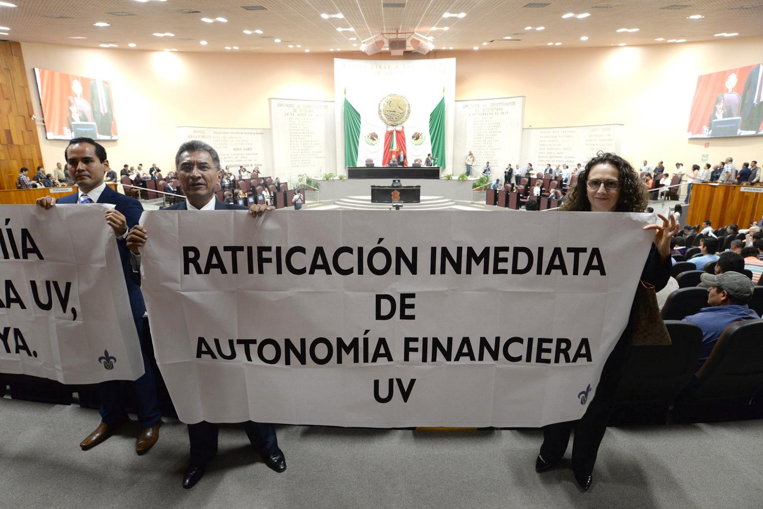 UV se manifestó en el Congreso por la autonomía financiera
