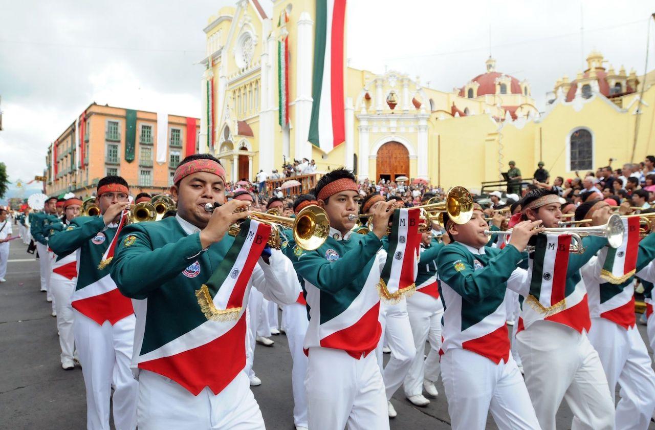 Habrá desfile conmemorativo de la Constitución, en Xalapa
