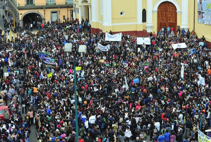 Mega marcha UV continúa firme, pese a embestida de Duarte