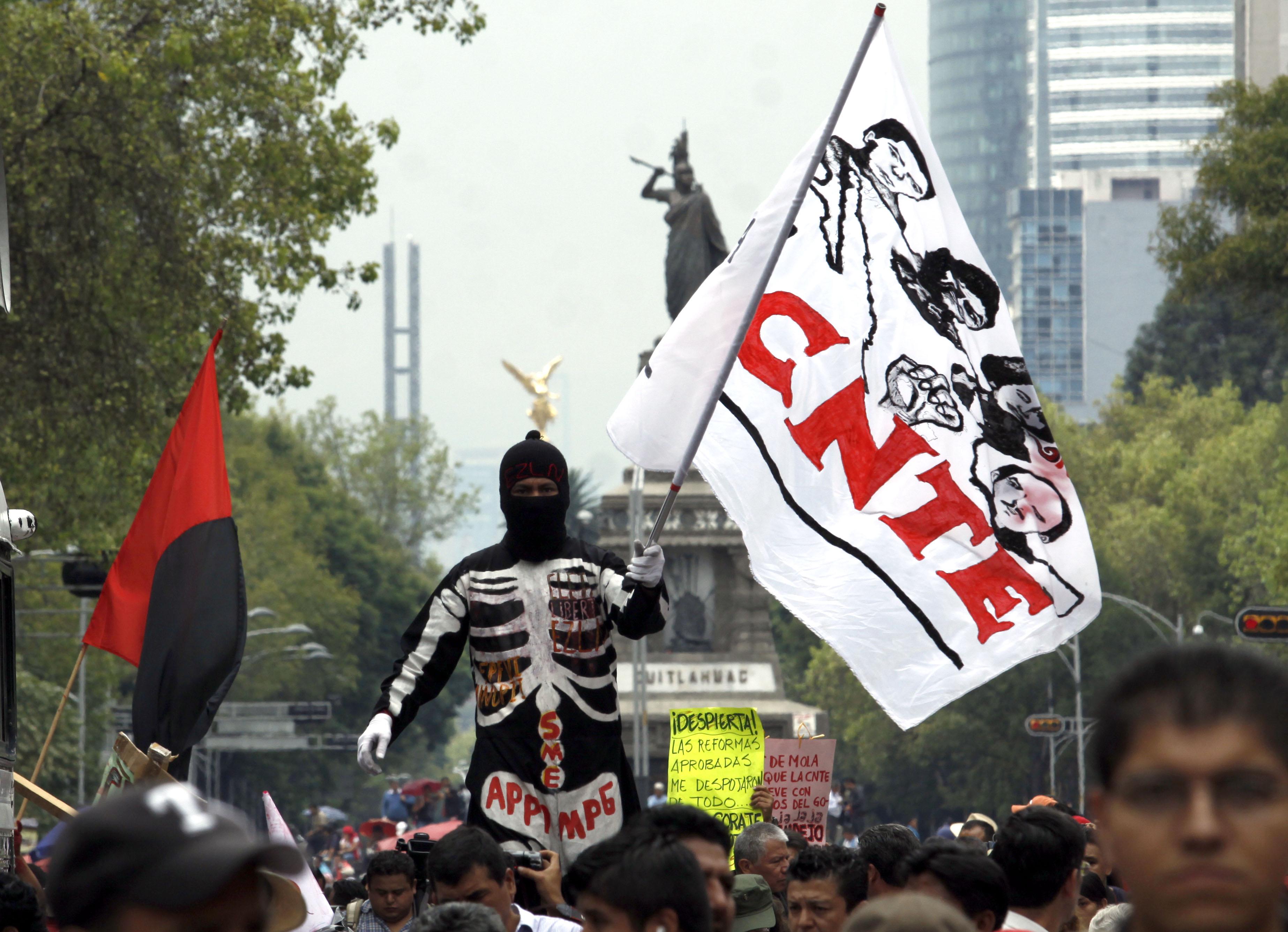Va PGR y Mexicanos Primero por líder de la CNTE