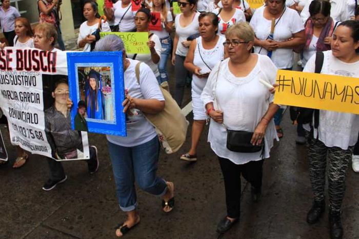 Mujeres marchan contra desapariciones y violencia de género