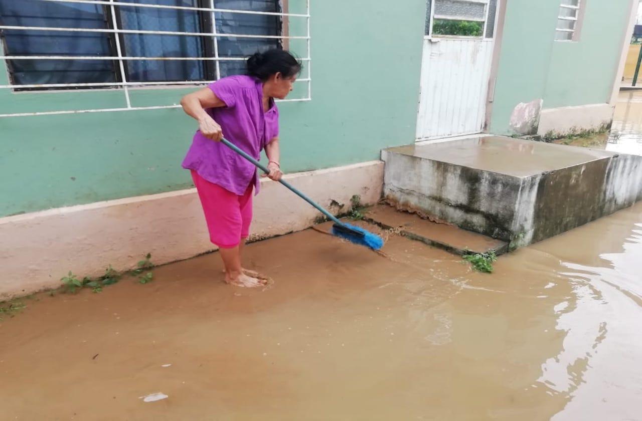 María pertenece a una de las 900 familias inundadas en Agua Dulce