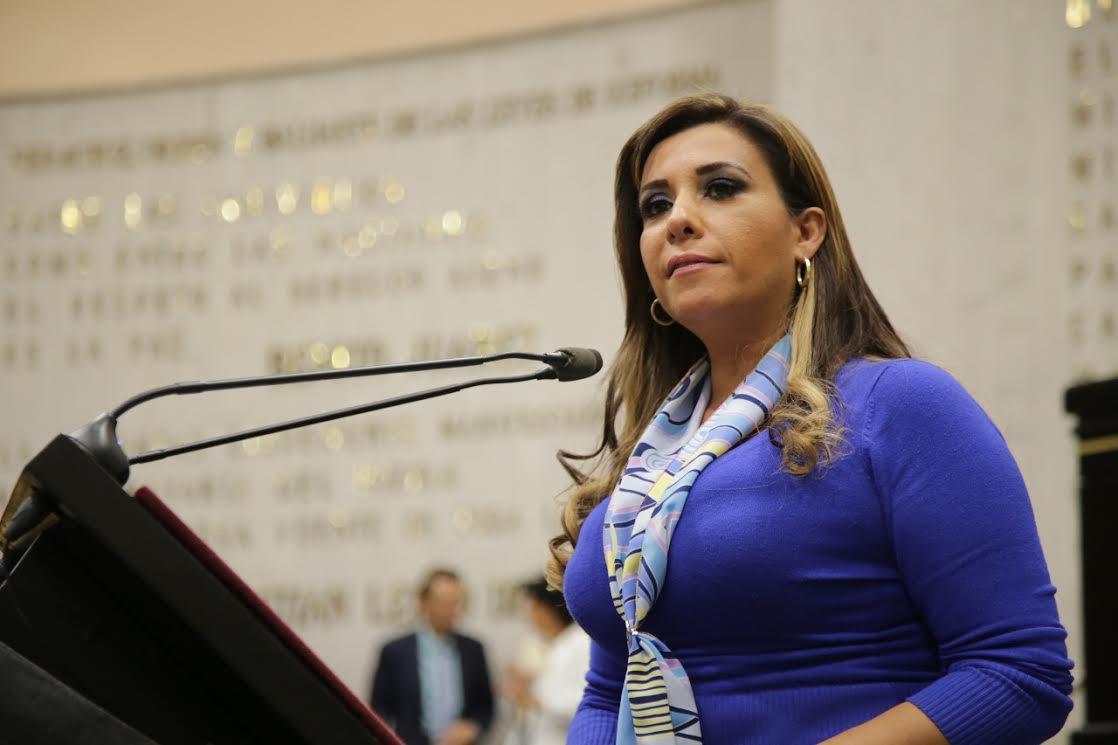 Propone Mariana Dunyaska incentivos fiscales para acabar con la discriminación laboral