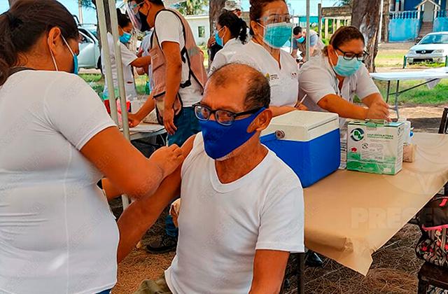 Más de 6 mil adultos mayores fueron vacunados en Agua Dulce