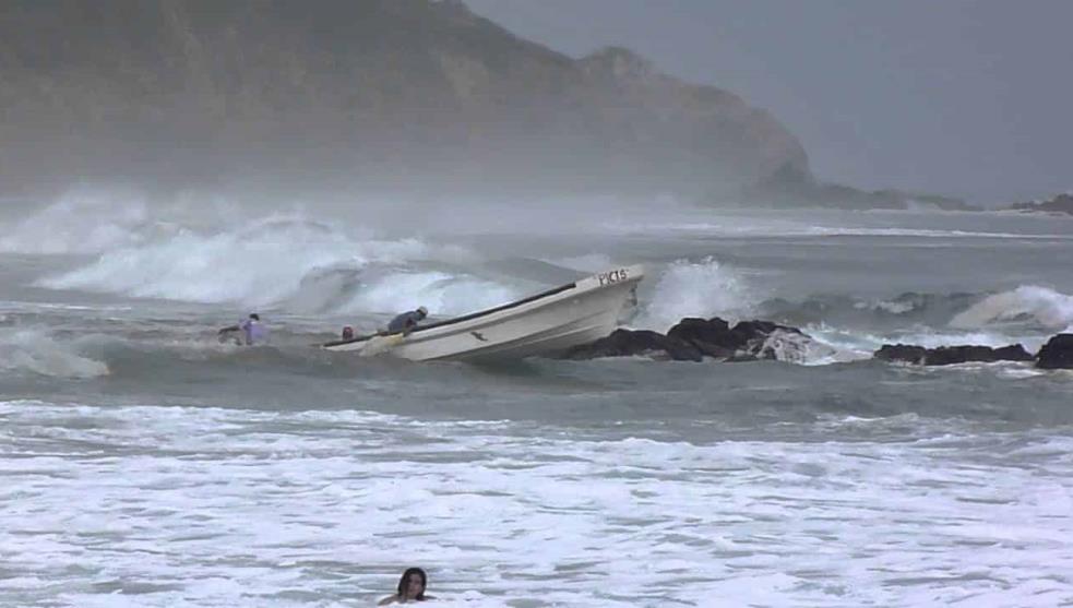 Buscan a pescadores perdidos en Antón Lizardo
