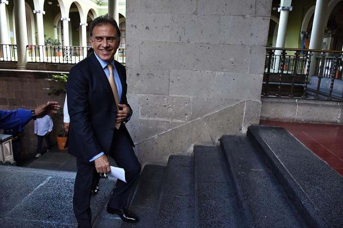 Yunes Linares y legisladores discutirán presupuesto 2017