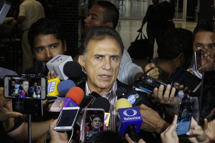 """""""Estamos decididos a combatir la delincuencia"""": Yunes Linares"""