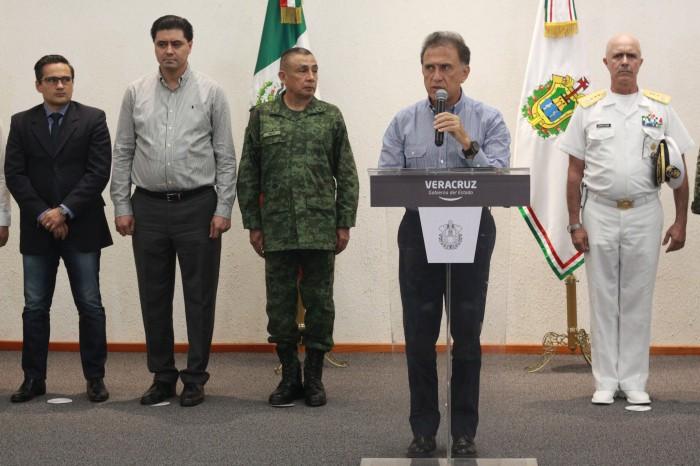 Yunes Linares anuncia detención de 37 delincuentes en Poza Rica