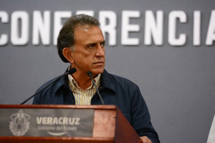 Miguel Ángel Yunes Linares criticará el gasolinazo ante la Conago