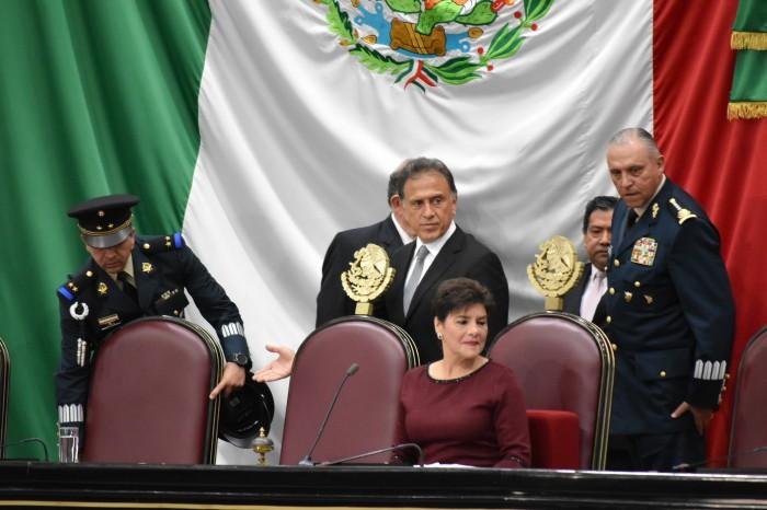 Yunes respalda Ley de Seguridad: críticas son frívolas y banales