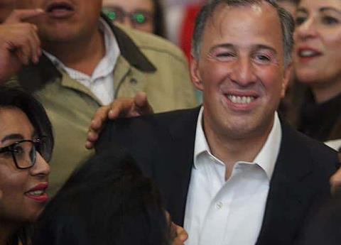 Meade pisa territorio saqueado por la corrupción priísta