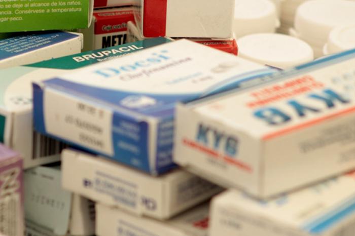 Yunes dejó 20% de medicamento caduco, y 40% próximo a vencer: Alor