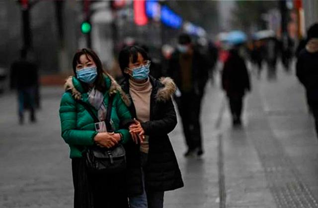 Médico chino brinda fórmula para contener al coronavirus