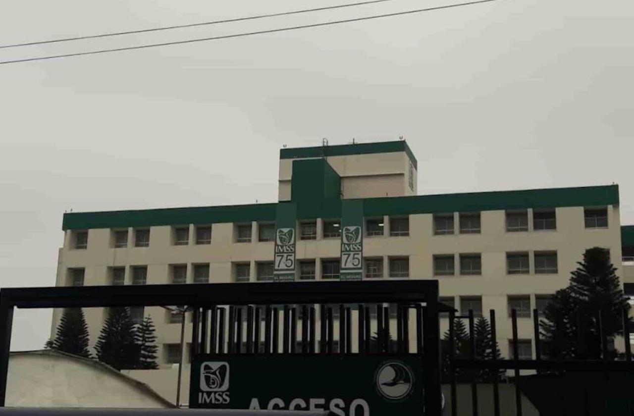 Médicos del IMSS amagan con paro por falta de insumos