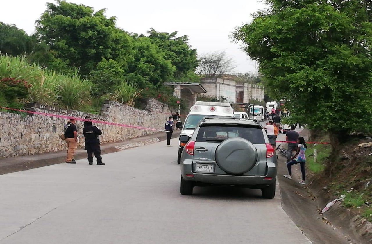 Menor muere tras ser atropellado en carretera de Atzacan