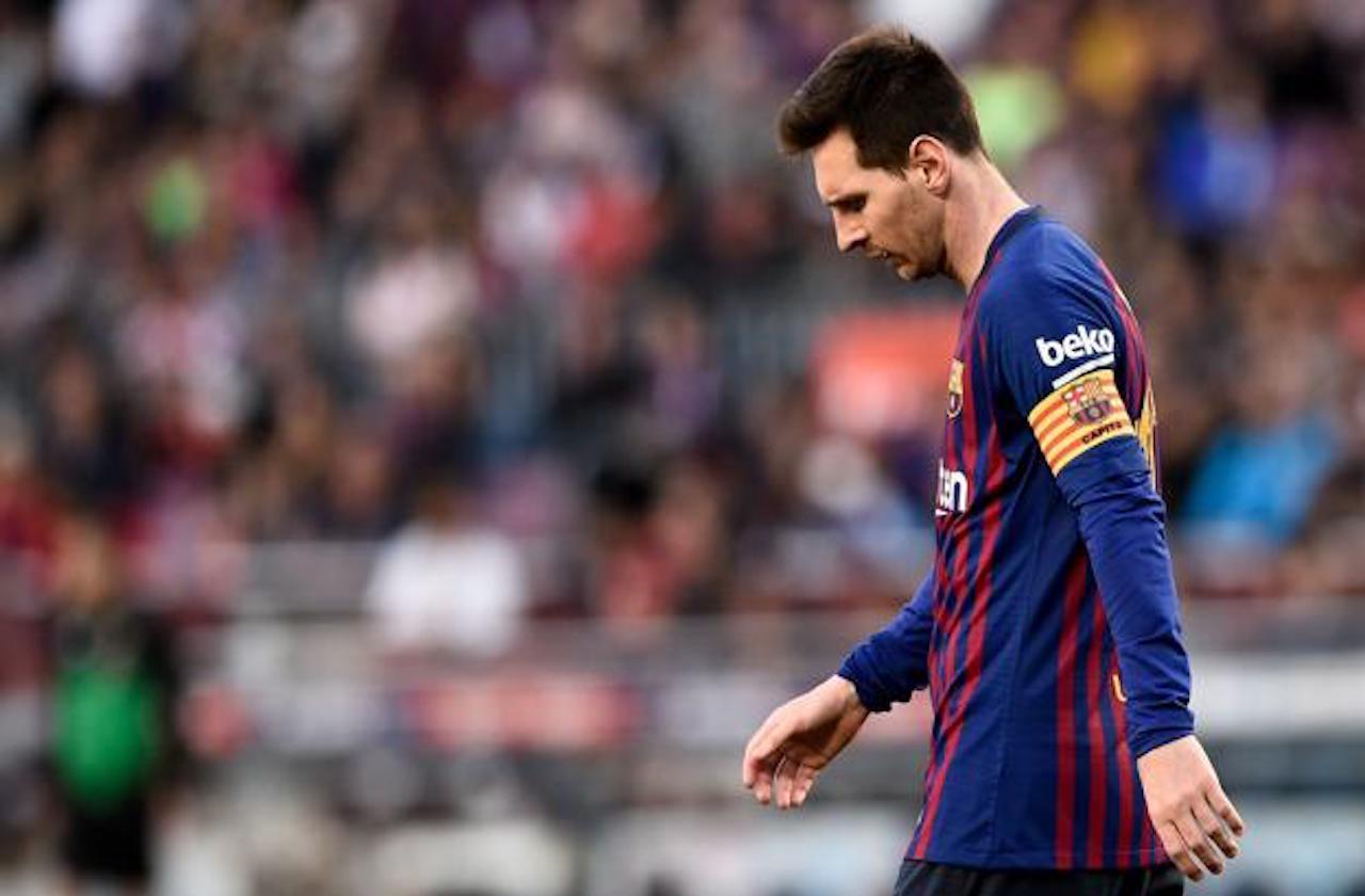 Messi, con pie y medio fuera del Barsa