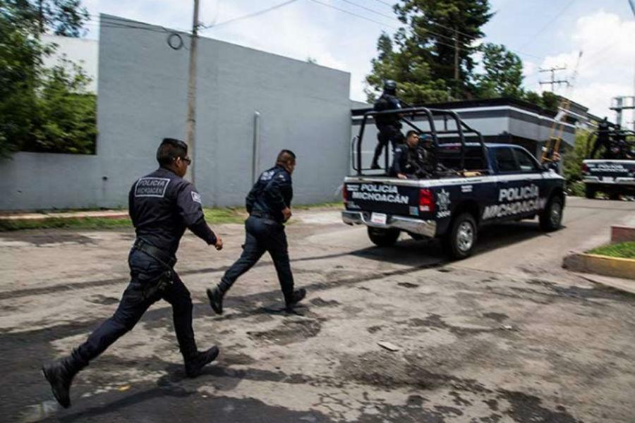 En emboscada asesinan 14 policías en Aguililla, Michoacán