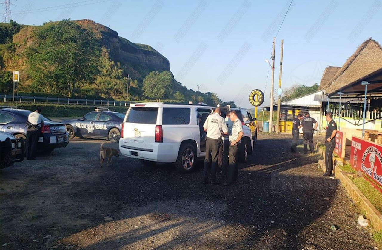 Guardia Nacional resguarda a 19 migrantes en carretera Las Choapas- Ocozocoautla