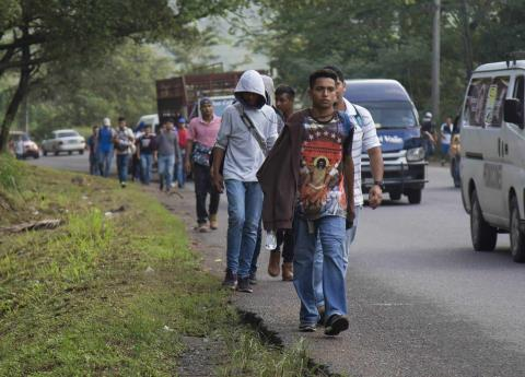 Nueva caravana de migrantes avanza a Guatemala