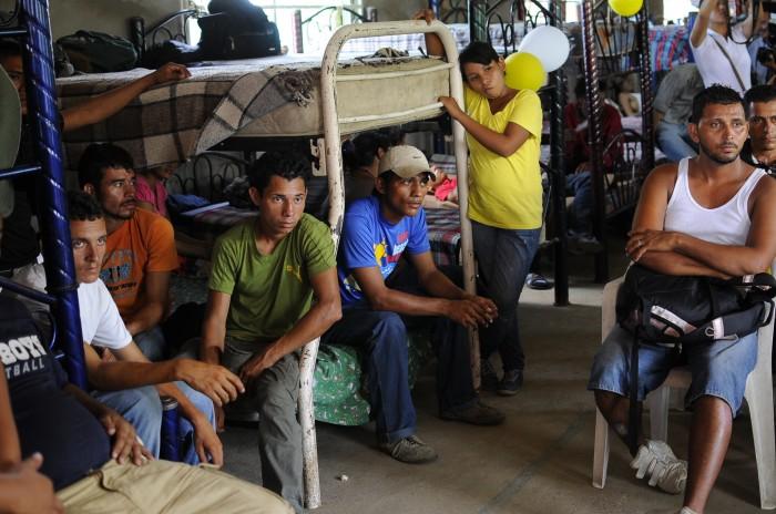 Persisten denuncias de migrantes contra policías por maltrato