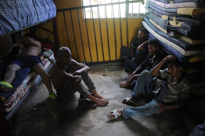 Quedan a la deriva decenas de Migrantes en Cerro Azul