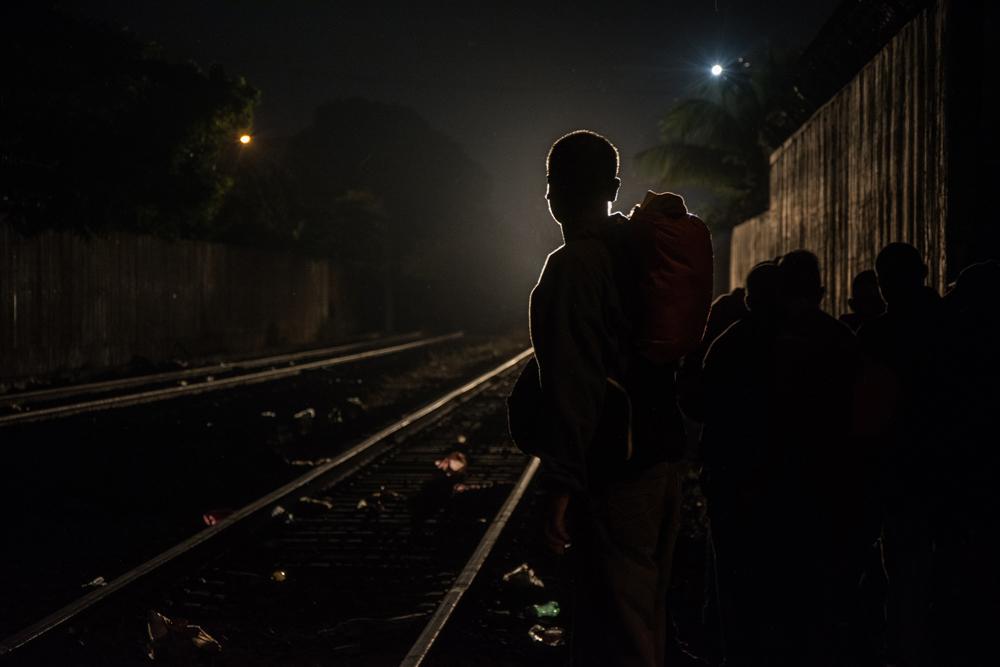 Liberan a ferrocarrileros acusados de extorsionar migrantes