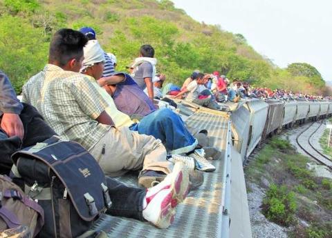"""Migrantes dejaron de usar """"La Bestia"""" y ahora prefieren quedarse en México"""