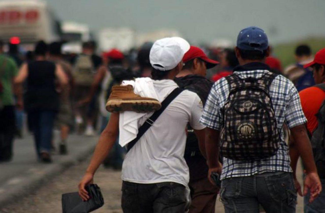 Migrantes encuentran asaltos y secuestros a su paso por Veracruz